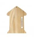Drevený domček s teplomerom